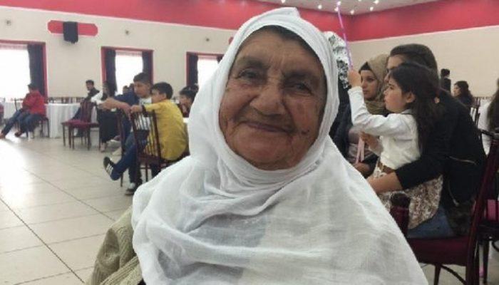 10 günde koronavirüsü yenen 90 yaşındaki kadın alkışlarla taburcu edildi