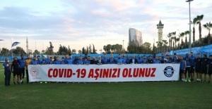 Adana Demirsporlu futbolcular korona virüs aşılamalarına destek verdi