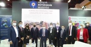 """Başkan Böcek: """"Antalya'nın karbon miktarını 2030 yılına kadar, yüzde 40 azaltma hedefindeyiz"""""""