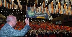"""Cumhurbaşkanı Erdoğan: """"Kefenimizi giyerek çıktığımız bu yolda alnımız ak başımız dimdik yürüyoruz"""""""