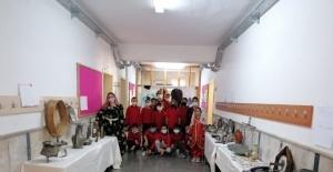 Eğirdir'de ilkokul öğrencilerinden 'Milli Kültür Sergisi'
