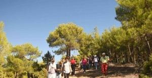 Tarsus Çamalan'da 'Doğa Bizi Çağırıyor' etkinliği