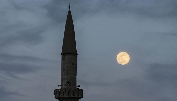 23 Nisan için dikkat çeken öneri: Camilerden İstiklal Marşı okunsun