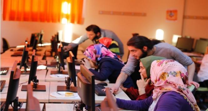 Anadolu kadınlarının el emekleri, teknoloji ile yurdun dört bir yanına ulaşıyor