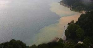 Sağanak Yağışın Etkili Olduğu İstanbul'da Boğaz Kahverengiye Boyandı
