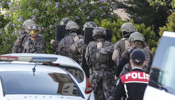 Ankara'da korku dolu anlar! 2 çocuğunu silahla rehin aldı