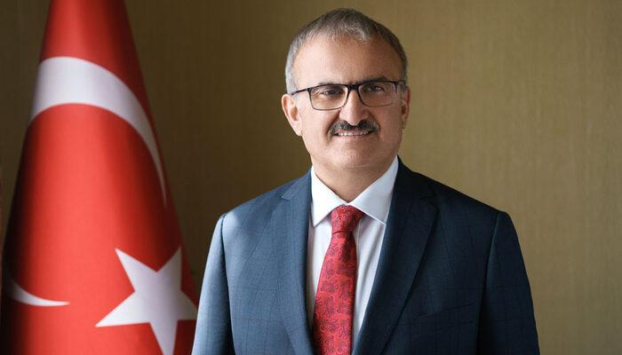 Antalya Valisi Münir Karaloğlu'ndan vatandaşa sert tepki: Kimliksiz yumurta kafa