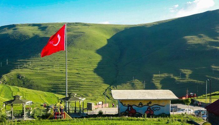 Ardahan'da Atatürk silüeti belirdi
