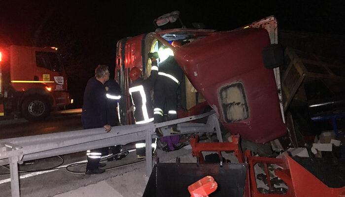 Ata çarpan TIR'ın sürücüsü hayatını kaybetti