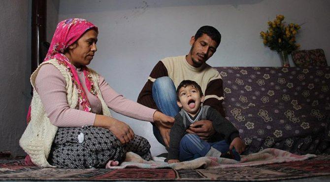 Baba işten çıkınca Yiğit'in tedavisi yarım kaldı
