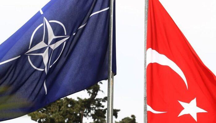 Bakan Çavuşoğlu ile NATO Genel Sekreteri Stoltenberg arasında kritik koronavirüs görüşmesi