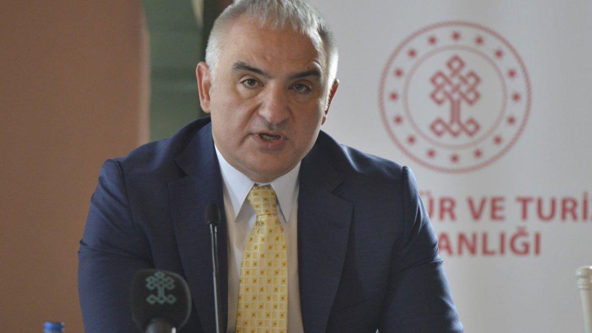 Bakan Ersoy: Turizm sezonunun nisanda başlayacağını umuyoruz