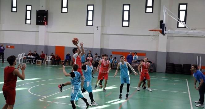 Başakşehir Belediyesi Gençlik Oyunları'nda çifte heyecan