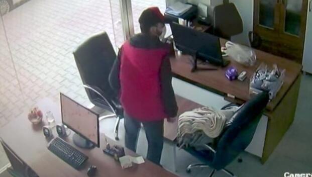 Cep telefonu hırsızları kamerada