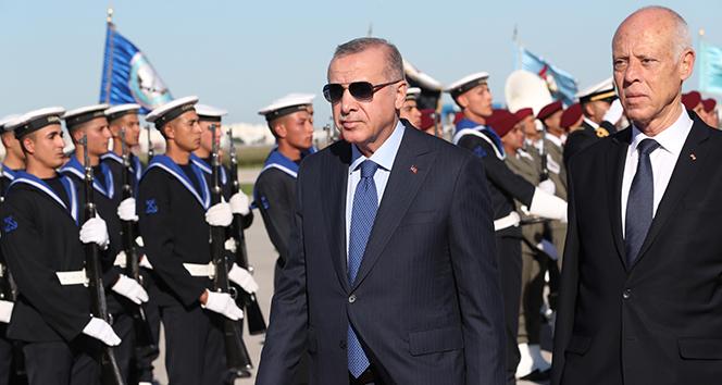 Cumhurbaşkanı Erdoğan'dan Tunus'a sürpriz ziyaret