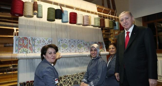 Cumhurbaşkanı Erdoğan, Hereke Halı Fabrikası'nı ziyaret etti
