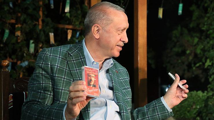 Cumhurbaşkanı Erdoğanın gençlerle buluşmasında duygusal anlar!