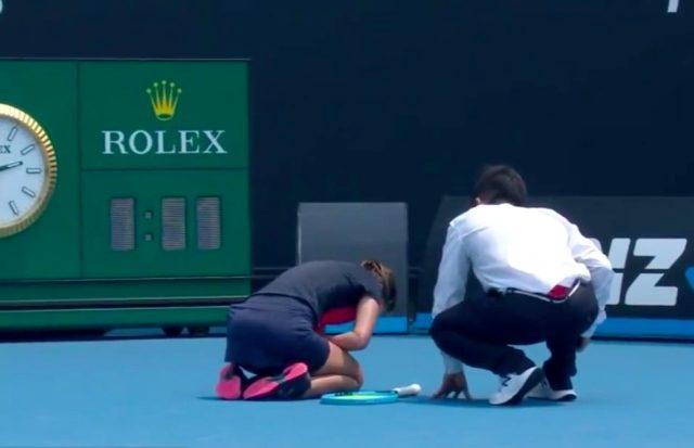 Dalila Jakupovic  maçı yarıda bıraktı