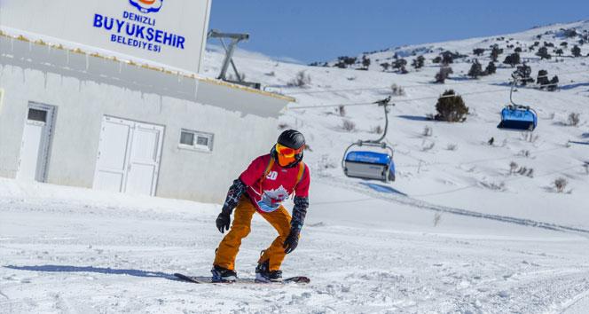 Denizli'de kayak sezonu açıldı