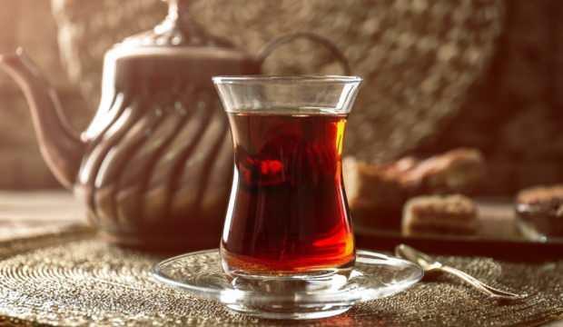 Düzenli ve dozunda tüketilen çay kalp damar hastalıklarını önlüyor!