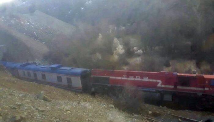 Elazığ'da faciadan dönüldü! Tren raydan çıktı