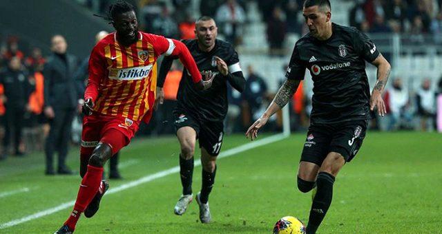 Emmanuel Adebayor Beşiktaş'ı istiyor