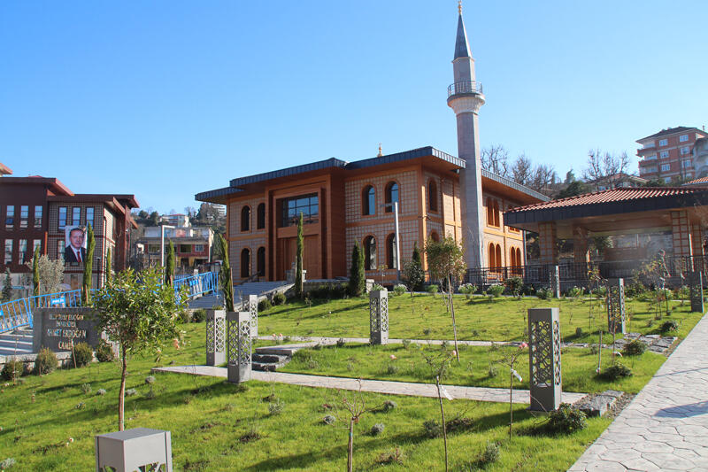Erdoğan, Rize'de Selçuklu ve Karadeniz mimarisine sahip camiyi ibadete açacak