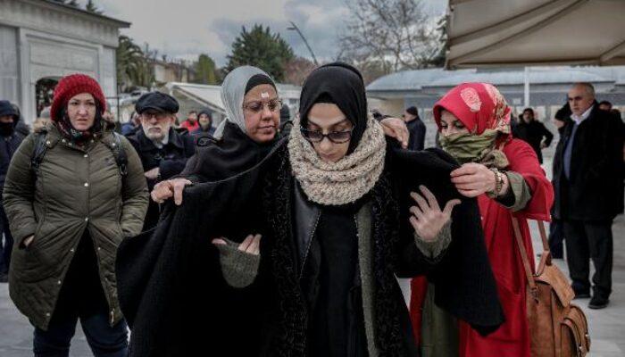 Gazeteci Esra Elönü'nün babası Şaban Elönü son yolculuğuna uğurlandı