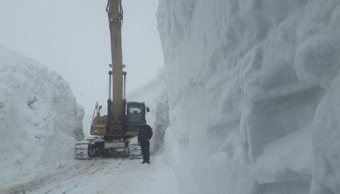 Hakkari'de kar kalınlığı 11 metreyi buldu