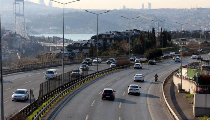 İstanbul'da koronavirüs etkisi! Yollar ve toplu taşıma araçları boş kaldı