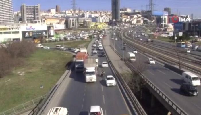 İstanbul'da koronavirüs trafiği! Vatandaşlar yollara döküldü