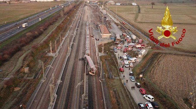 İtalya'da korkunç kaza: Tren devrildi, ölü ve yaralılar var