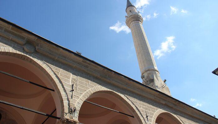 İzmir'de bugün yeni dönem başladı! Camilerden çalınan müzik sonrası...