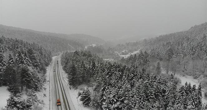 Karabük-Bartın yolunda kar yağışı