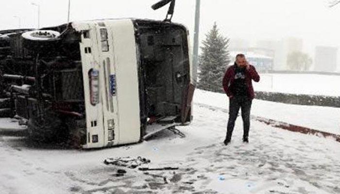 Kayseri'de işçi servisi kaza yaptı! 21 yaralı