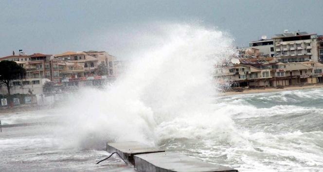 Kıyı kesimlerde kuvvetli rüzgar ve fırtına bekleniyor