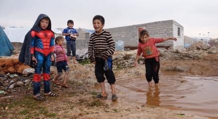 Suriyede iç savaşın kaybedeni çocukların kamplardaki yaşam mücadelesi