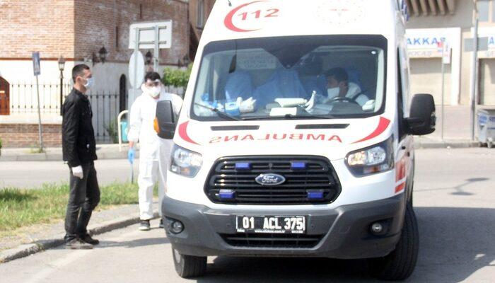 Koronavirüs şüphesiyle sokağa çıktı, ambulansla hastaneye gitti