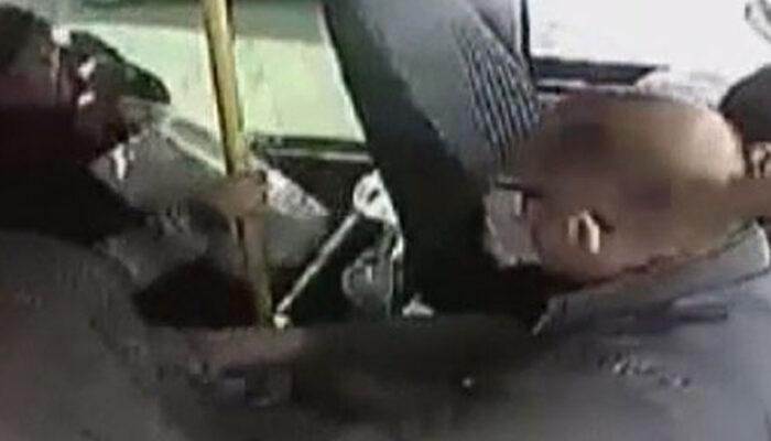 Maltepe'de içi yolcu dolu minibüsü taradılar