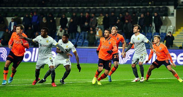 Başakşehirli taraftarlardan Fenerbahçe'ye meydan okuma