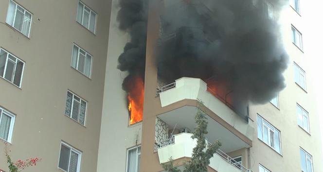 Mersin'de apartmanda yangın paniği