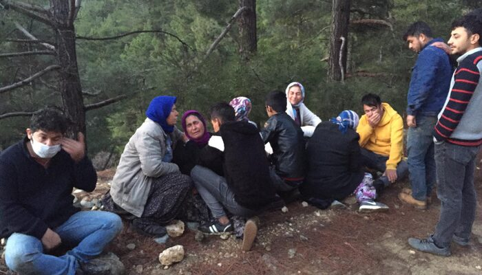 Mersin'de kamyonet uçuruma devrildi: 1'i çocuk 3 kişi hayatını kaybetti