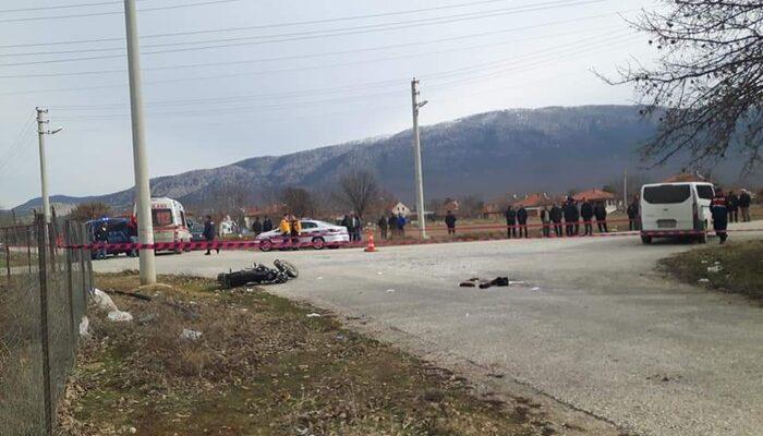 Minibüsle motosiklet çarpıştı, baba öldü ise kızı yaralandı