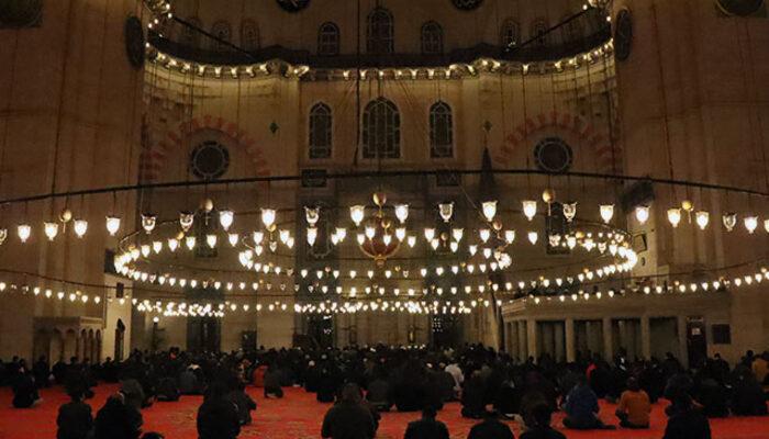 Miraç Kandili'nde camiler açık olacak mı? Miraç Kandili'nde nasıl ibadet edilir?