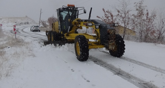 Muş'ta 30 köy yolu ulaşıma kapandı