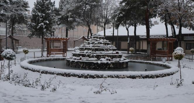 Nevşehir beyaza büründü