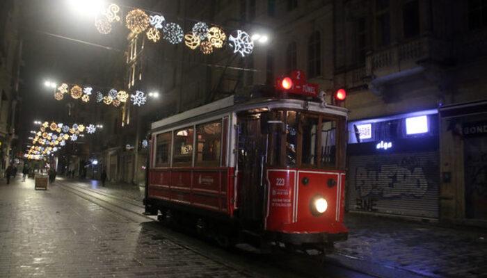 Nostaljik tramvay 'son' seferini yaptı