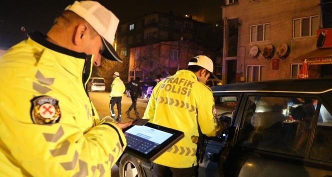 Polis memurları yeni yıla görev başında girdi