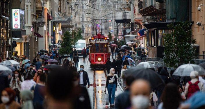 Prof. Müftüoğlu: Sağlık Bakanlığı aşılama kampanyasını en geç 3-4 ay içinde bitirmeli