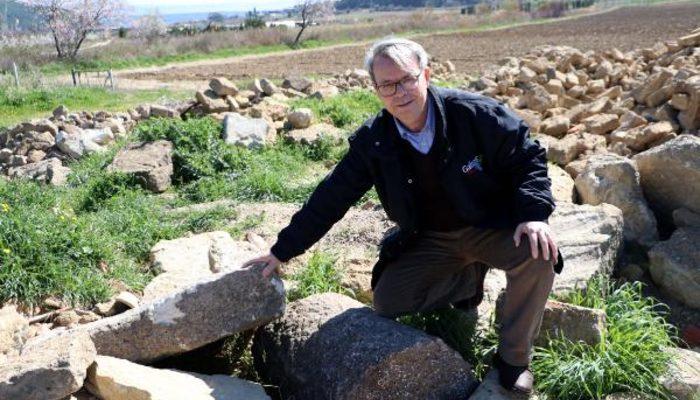 Profesörden suçüstü! 2 bin yıllık antik kenti soymak isterken yakalandı